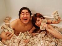 ロト6で6億円当たったらどうする?  面白い回答を求めます。  例えば、札束風呂をするとか。