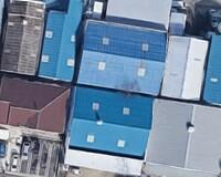 グーグルマップを見ていると、屋根の色が部分的に違うものがあるのは何でしょう