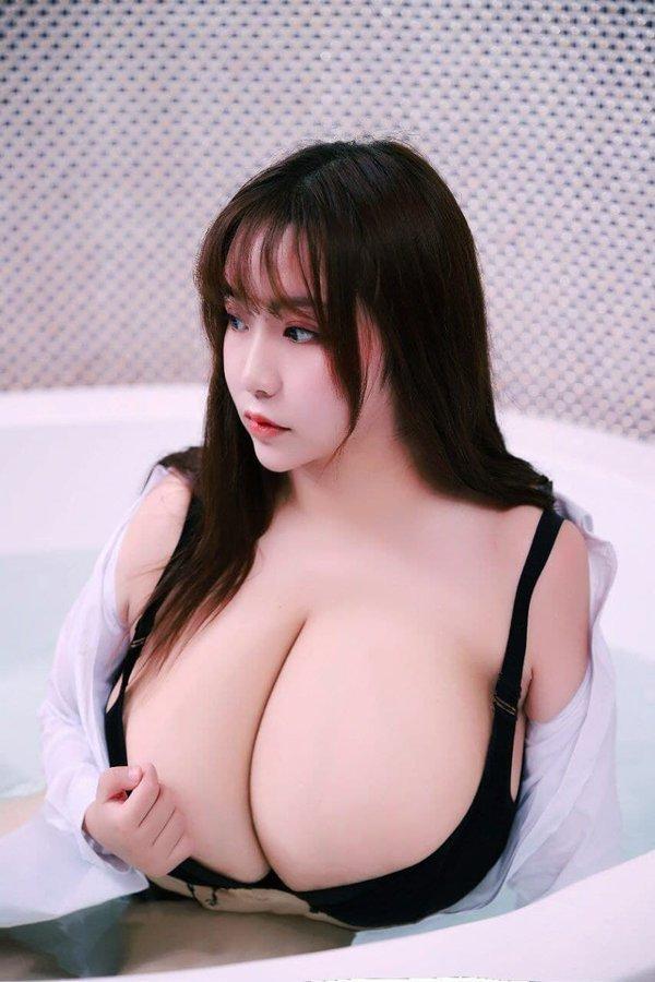 この中韓国人?の方の名前をご存知の方いらっしゃいますか?