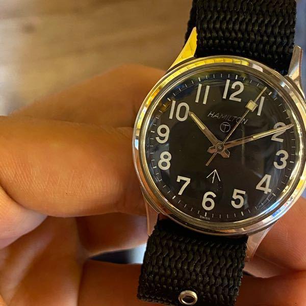 vintage Watchについての質問です。 先日イギリス軍のミリタリーウォッチを購入しました。 調べた所同じ文字盤の物が見つからず、年代がわかりません。 裏蓋も交換されており、ミルスペックも不明なので、詳しい方にご意見を頂けるととても助かります。 よろしくお願いします。