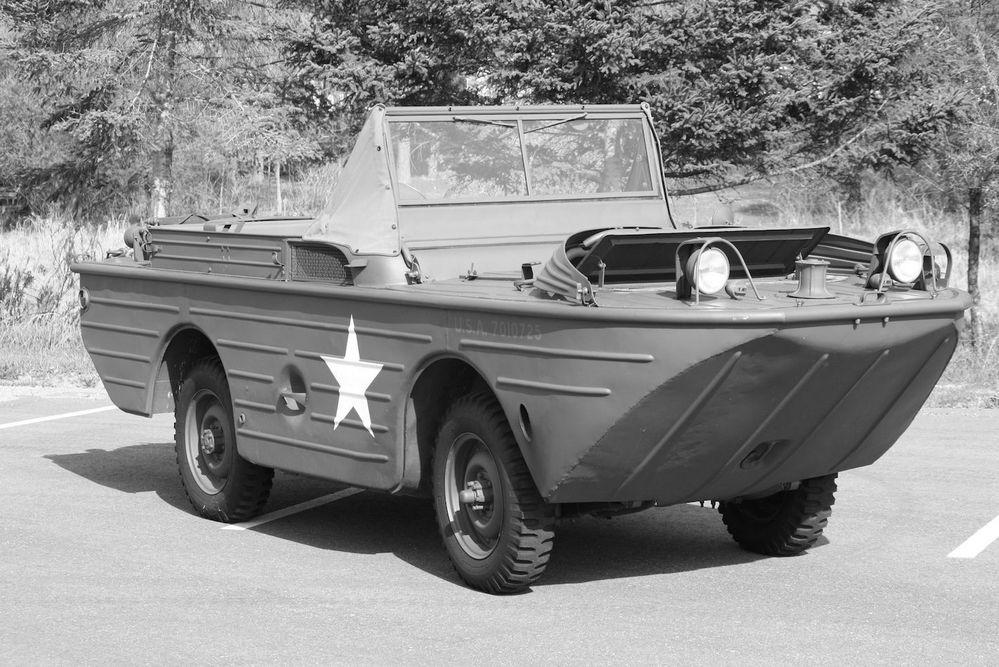 なぜこの水陸両用車(フォードGPA)はパートタイム4WDなの❓