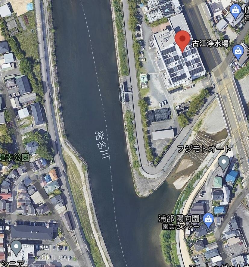 池田市の猪名川沿いにある古江浄水場付近の小さな川と合流している辺り(説明が足りず申し訳ございません。 バスかナマズはいますか? 河川工事後には鯉しか居ないと聞きました。 地元の方、博識な方ご回答お願いします ♀️