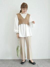 最近女の人でこの服装、量産型?着る人めちゃくちゃ見かけないですか?w