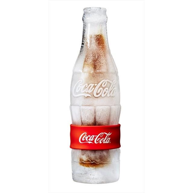 暑い日は何を飲みますか?コーラですか?