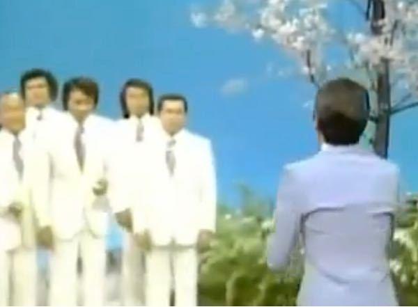 【昭和の時代】ある歌謡番組から この画像の1人は歌手名、1組はグループ名の名前を、お答えください。 最初に正解した方を必ず後日BAにいたしますどすます。