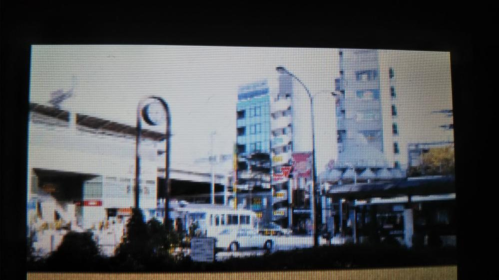 この画像に写ってる駅がどこだか分かる人いますか? 相棒DSというゲームソフトに善福駅として出てきてます。説明書とかにも撮影場所については特に何も書いてませんでした。