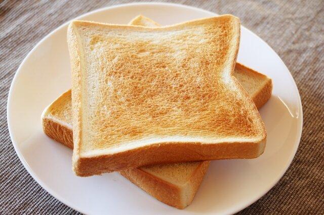 トーストには何を塗りますか?乗せますか?