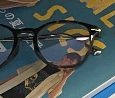このメガネどこのかわかる方教えてください!