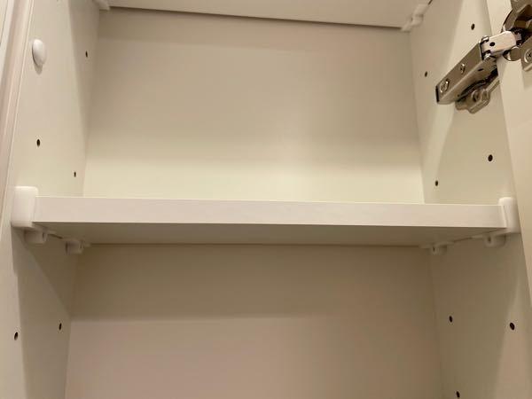 【至急‼︎】 この棚の取り外しかたが分かりません。 どうやって取るのが正しいのでしょうか。 助けてください。