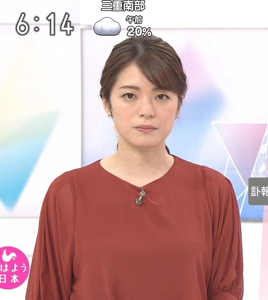 質問です。 1.川崎理加アナ、エンジ色のトップスは素敵でしたか? 2.今朝の可愛さ度は如何でしたか(100点満点で)? (◆danさん用◆)