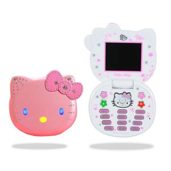 昔のこういう感じの携帯、ガラケーっぽいのってどうやって調べたらよく出てきますか? 「ガラケー 可愛い」 「昔 ガラケー」「携帯 おもちゃ」て調べてはいるんですけどあんまりヒットしないです。 こういった感じのものをくくってなんて言いますか?