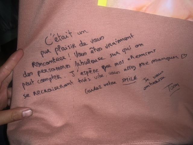 友達に書いてもらったメッセージですが、フランス語なので読めません。 どなたか翻訳していただけませんか?