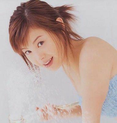 昔の松浦亜弥は華やかで美女でしたか?