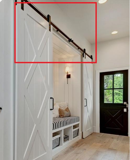 海外の家の写真が好きでよく見るのですが、こちらの赤枠のアイテム(吊戸)をよく見ます。 素敵だなと思い、建築予定の自分の家にも取り入れたいと思うのですが、こういったものをつけたい場合、自分でモノを探してつけて欲しいとお願いするのでしょうか・・・?どうやってモノを調べたり取り入れたりすれば良いかわからないのでご存知でしたら教えて下さい。