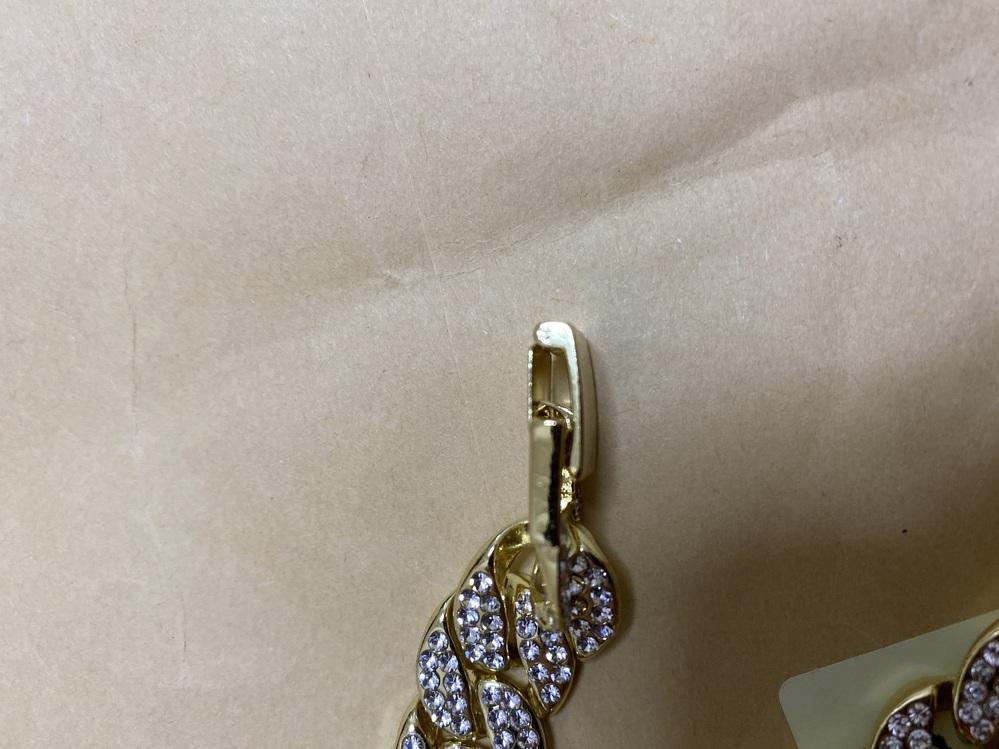 このネックレスの留め具の外し方を教えてください!
