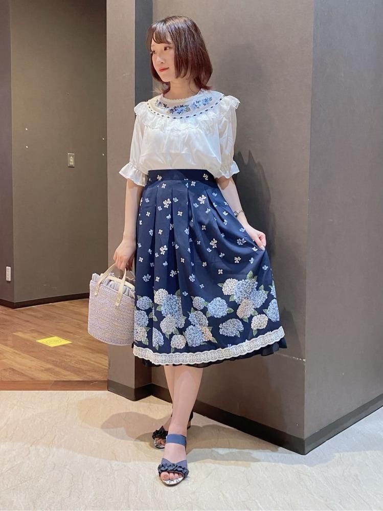 このファッション、どう思いますか? よろしくお願いします
