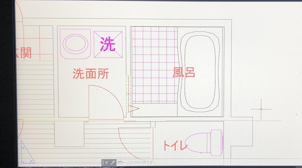 auto cadについて質問です。 線の太さが変わりません。 ダウンロードした風呂(UB)データなのですが、画像プロパティから選択して選んで、線の太さを変えても反映されません。 (画像のUBは...