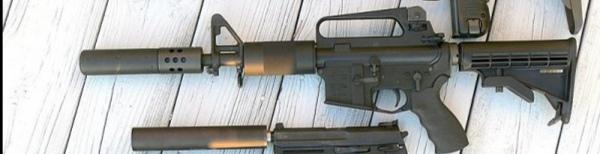 ミリタリー、銃に詳しい人教えてください。 この中はCAR15ですか?その中のなんの種類だか分かりますか?