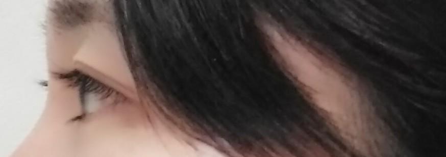 すみません。突然ですが分かる方教えてください。 奥目と普通の目の違いについて 外国人の奥目はとても分かりやすいですが、いまいち日本人の奥目と普通の目の違いが分かりません。 下の写真は奥目なのか普通の目のどちらなのか教えてください。(それとも出目なのか) 少し瞼が出ているようにも見えるので 出目かまたは普通の目? それとも涙袋がないので奥目なのでしょうか? 詳しい方判別お願いします。