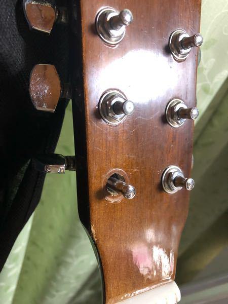 ギターの弦を巻く部分が取れてしまったのですが、この場合は自分で木工用接着剤などを使って接着してしまえば問題なく使用しても良いのでしょうか?