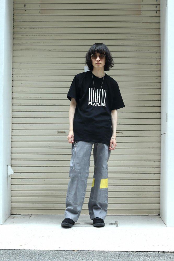 この方が履いているパンツどこのブランドのものか分かる方いませんか?
