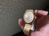 CITIZENの腕時計が出てきたのですが、これ付けたらダサいですよね?笑 調べたらそんなに高くもないし