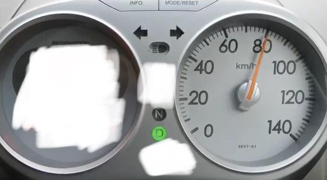 レンタカーでライフという軽自動車を運転してみました…。 やっぱりこれ以上はホント怖くて… これよりも速いスピード出せる人は普通にいるのでしょうか…? 勇気いるでしょうか…?