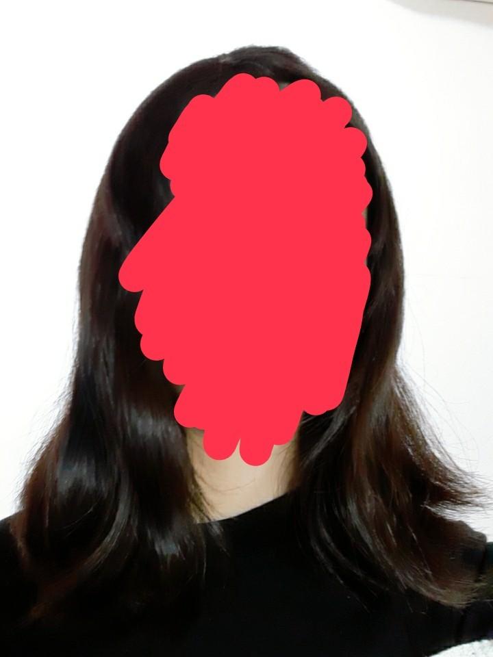 この髪の長さでできるヘアアレンジってありますか?(さっきまで寝てたのでうねり凄いです) ・毛量多め ・前髪あり ・面長 ・ストレートアイロン以外持ってない こんな感じです(笑) ベストアンサーのお礼としてコイン100枚差し上げます_ _)