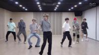 BTSのダイナマイトで 左からメンバーの名前が知りたいです