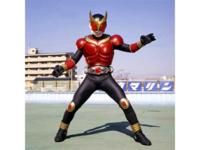 仮面ライダークウガですが、仮面ライダーディケイドに登場した小野寺クウガと本家五代クウガとではどっちが強いですか?装備・能力は両者とも全部使える設定で