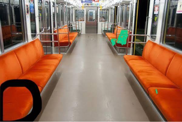 黒い色で囲った席で友達2人と話してたんですが、緑の席に座ってる人に内容聞こてると思いますか? 他にも沢山座席に人が座っていましたが、私たち以外喋ってる人はいませんでした。