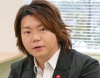 小山田圭吾の過去のいじめ告白記事問題で 東京オリンピック開閉会式の音楽担当を辞任すると 発表したことを受け、 「はーい、正義を振りかざす皆さんの願いが叶いました、 良かったですねー!」と ツイートした小山田圭吾のいとこ田辺晋太郎の 両親が大物芸能人だそうですが 誰なのか、ご存じの方いませんか?