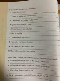 英語が苦手すぎて全然わかりません。 ヒントでも良いので教えてください。