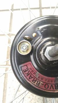 サーボブレーキのここのナットが舐めてしまいました。ナットカッターでもモンキーレンチでも隙間が足りないので外せません。もう買い換えるしかないのでしょうか?