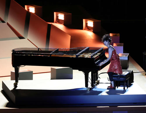 東京五輪開会式のピアノは上原ひろみさんではなくハラミちゃんのほうがよかったですか??