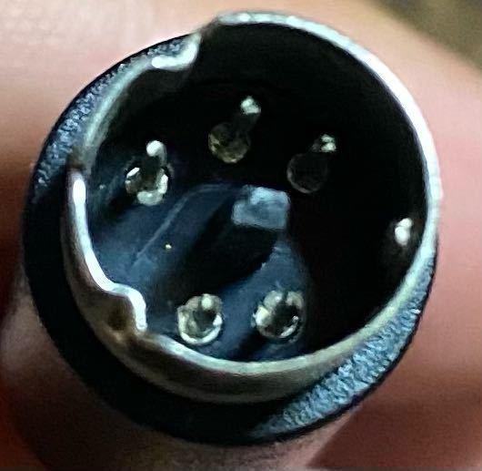 この端子から、USBのコネクタへ変換する事は可能でしょうか?