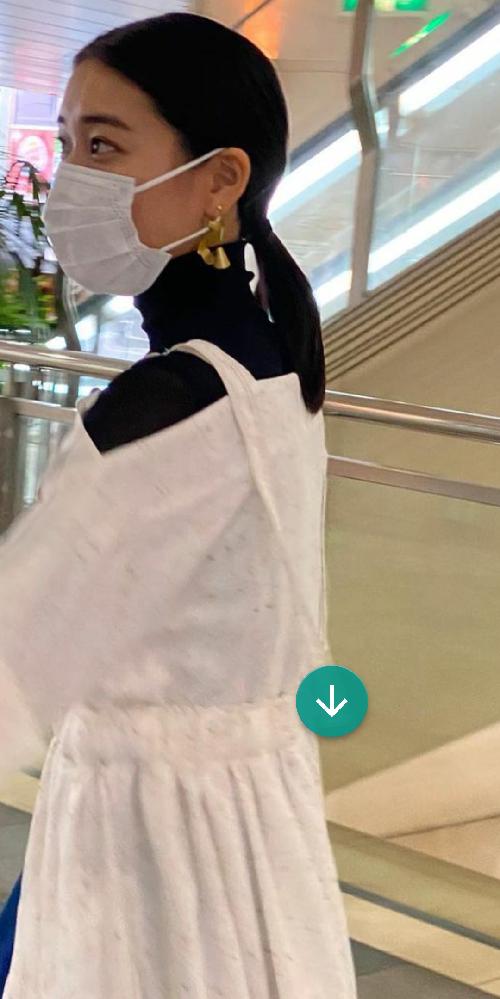 この画像の和田彩花さんがつけているイヤリングと同じものを購入したいのですが、どこのものか分かりません!どこの商品でしょうか?
