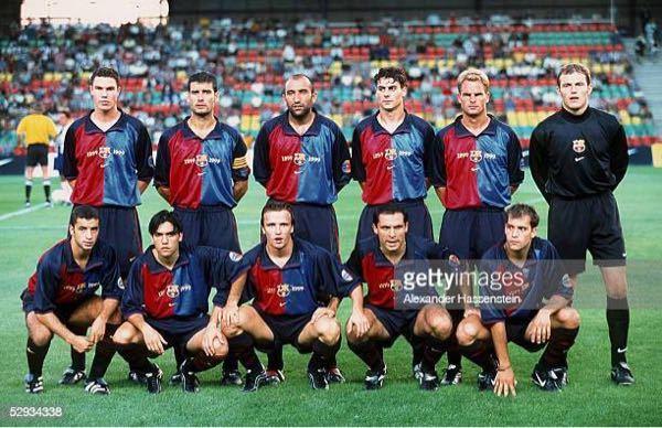 前列の左から2人目誰ですか? 写真はnike cup 1999年 です。
