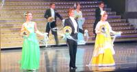 宝塚歌劇団の宙組の真ん中の男役の方の お名前がわかる方いらっしゃいますか?  この画像はアナスタシアの時のものです。  よろしくお願いいたします。