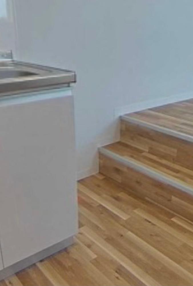 現在部屋探しをしており、とてもいい物件を見つけたのですが、 こちらの希望よりキッチンが少し狭く、とくに冷蔵庫を置くであろうスペースが40cmほどしかありません。(コンセントの位置から、ここが冷蔵...