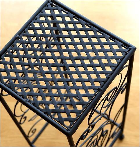 3Dプリンターなどで縦横完全な正方形のスタンドを作ることはできますか? 傾きやズレなどもなく、すべて90度の形で欲しいです。イメージは添付画像のような感じです。これはすでに販売されているものです...
