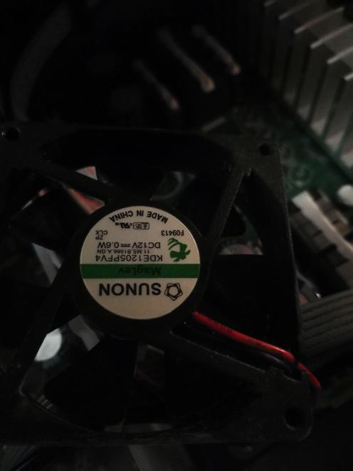 ホームシアターの冷却ファンの異音を修理しようと思うのですが、全く同じのはみつからないので、互換を探しています ワット数と直径だけ合うものを購入すればよろしいでしょうか? ごろ頃音がして気になってしまいます