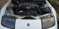 日産新型フェアレディZの評価点は、エンジンだけですね? ツインターボエンジンは、Z32時代の到来です。 エンジンルームは、ぎゅうぎゅう詰めで手が入りません。