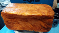 デニッシュ生地の食パン 、、みんなはどれくらいの厚さに切って食べる?