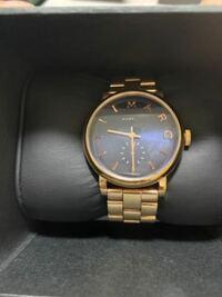 MBM3355のマークジェイコブの腕時計の電池品番わかる方いますか??? 捨ててしまって、わからなくなっています。。