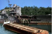 もしタイタニックが氷山衝突後、近くにいるカリフォルニア号(諸説ありますが最も近い10海里として)まで後進で向かう事は可能ですか? ※日本でも過去に、坊ノ岬沖海戦で攻撃を受けた駆逐艦凉月が後進で佐世保に辛うじて帰還しています。  タイタニックでもそれは可能なのですか? また、タイタニック号の姉妹艦であるブリタニックも、船体に穴が空いたにも関わらず、航行して、島に乗り上げようとしましたし…。