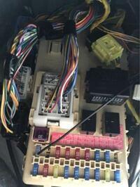 ワゴンRのイルミネーション電源がどれなのか教えてほしいです。 このワゴンRです→ https://www.mjnet.co.jp/smart/ucar/detail/ID/711996/