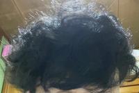天パの20歳です。 前髪を重くしたいのですが、くるくるして隙間ができます。 元から髪は細いです。 諦めた方がいいですか?