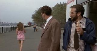 【てんぷら☆映画復活祭】 Scene#399 皆さん、映画はお好きですか? ではこのワンシーンで ひとつ 素敵なボケをいただけますか? (・▽・) ―――――――――――――――――――― 『レナードの朝』より