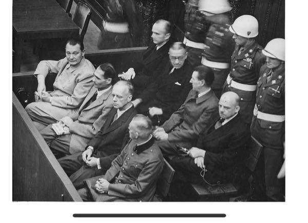 多分ドイツ関係だと思うのですが、この人たちは誰ですか?いつの写真ですか?